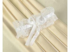 Подвязка белая кружевная с бантом и жемчужиной
