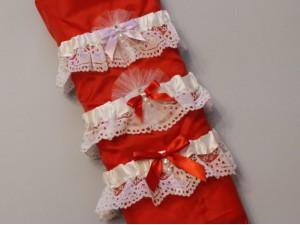 Подвязка белая кружевная с цветным бантом, цвета в ассортименте