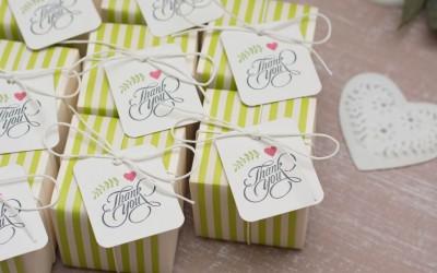 Свадебные бонбоньерки: подарки для гостей